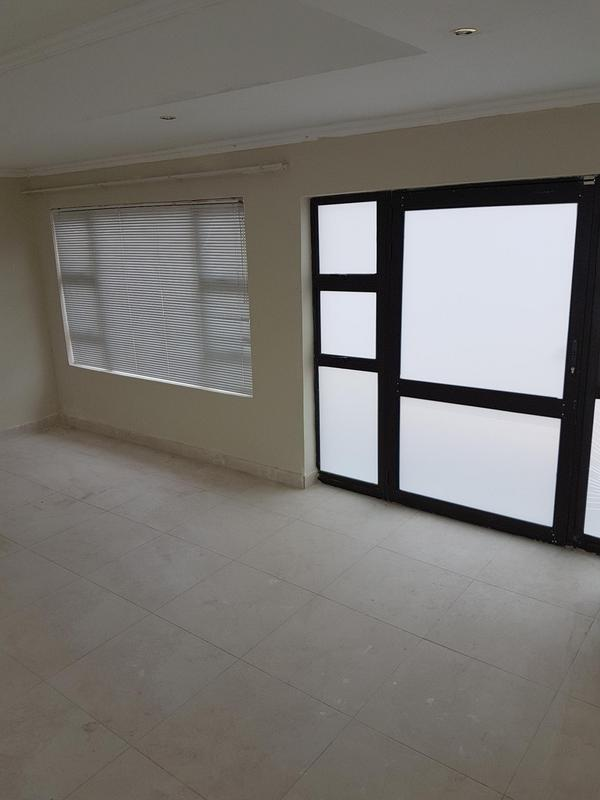 Property For Rent in Madeira Park, Queenstown 4