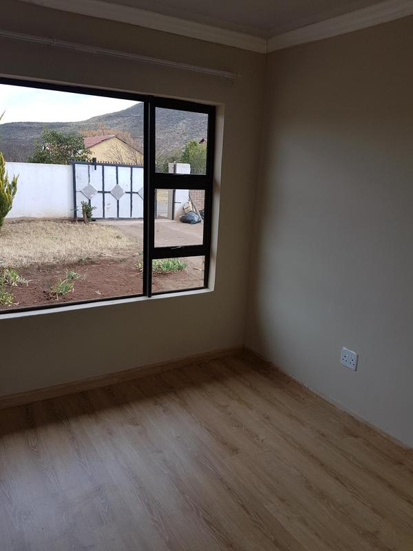 Property For Rent in Madeira Park, Queenstown 5